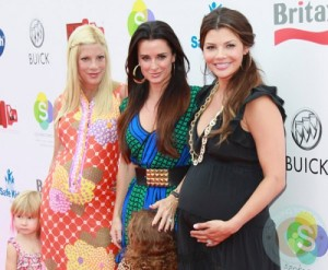 Tori-Spelling-Kyle-Richards-and-Ali-Landry-500x412